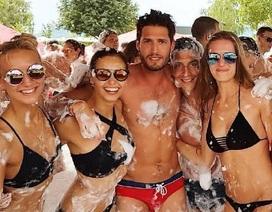Chàng trai du lịch khắp châu Âu nhờ việc hẹn hò với hàng chục cô gái