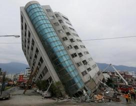 Khoảnh khắc khách sạn 4 sao đổ sập vì động đất ở Đài Loan