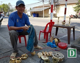 Nghề đánh bóng lư đồng ở Nha Trang đắt khách dịp Tết
