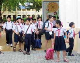 Ngán ngẩm xe đưa rước học sinh