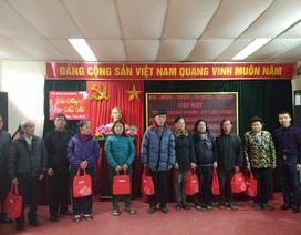 Quỹ Nhân ái tặng 30 suất quà Tết đến các hoàn cảnh khó khăn phường Cầu Dền