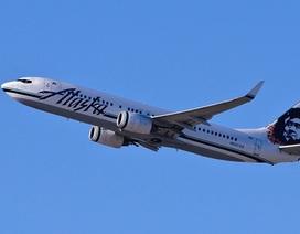 Máy bay buộc quay đầu vì hành khách đột ngột lột đồ khỏa thân