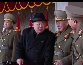 Vì sao Triều Tiên duyệt binh lặng lẽ và bớt hoành tráng?
