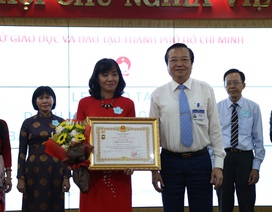 TPHCM: 21 thầy cô nhận danh hiệu Nhà giáo Ưu tú