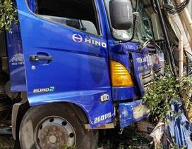 Xe tải mất lái gây tai nạn liên hoàn