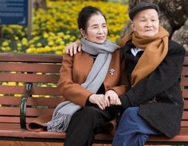 """Ngắm bộ ảnh kỷ niệm 50 năm ngày cưới của """"đôi uyên ương"""" U80 ở Thanh Hóa"""
