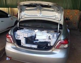 Dừng xe kiểm tra, phát hiện hàng ngàn gói thuốc lá lậu