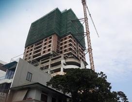 Thanh Hóa: Cao ốc đang thi công rầm rập, tầng trệt vẫn buôn bán sầm uất!