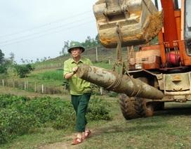 Đào ao thả cá phát hiện quả bom nặng gần 250kg