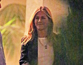 Nụ cười hiếm hoi của Jennifer Aniston sau khi ly dị