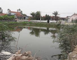 Bàng hoàng phát hiện nữ sinh lớp 11 tử vong dưới ao nước gần nhà