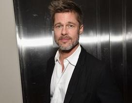 """Brad Pitt sống một mình, vẫn cố """"hàn gắn"""" trái tim sau khi bị Angelina Jolie bỏ rơi"""