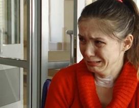 Mất trí nhớ, người phụ nữ òa khóc mỗi ngày khi nghe kể đã li dị chồng
