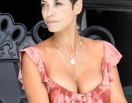 Ngưỡng mộ vóc dáng hoàn hảo của người mẫu 50 tuổi