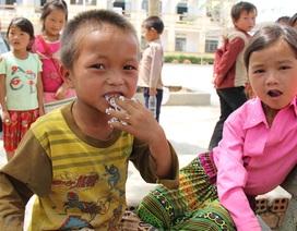 Xót xa bữa cơm trưa với muối ớt của nhiều học trò Đắk R'Măng