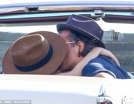 Lady Gaga hạnh phúc bên bạn trai