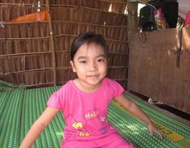 Đáng thương bé gái 7 tuổi mắc bệnh ung thư máu
