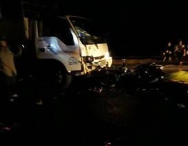 Hai bác sĩ thương vong sau va chạm với ô tô tải