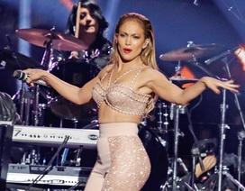 Jennifer Lopez từng bị đạo diễn yêu cầu… cởi áo