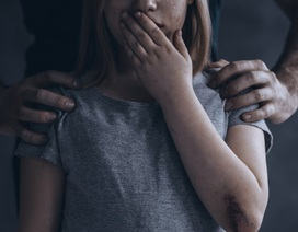 """Facebook """"đau đầu"""" vì vô tình gợi ý nội dung lạm dụng tình dục trẻ em"""
