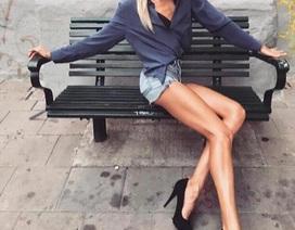 Ngút mắt với đôi chân dài cả mét của cô gái Thụy Điển