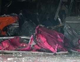 Cháy cửa hàng bán túi xách, 3 người chạy lên tầng chờ giải cứu
