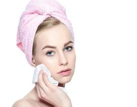 Vì sao bạn không nên dùng khăn tẩy trang thường xuyên?