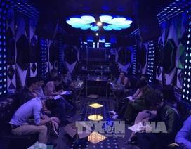 """Đột kích quán karaoke, phát hiện gần 40 dân chơi có dấu hiệu """"bay lắc"""""""