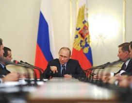Ai sẽ đi cùng ông Putin vào Điện Kremlin sau chiến thắng vang dội?