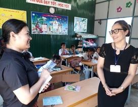 Cô giáo xin tiền xây trường cho học trò nghèo
