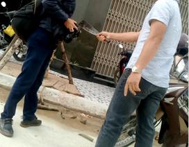 Phóng viên tác nghiệp bị thanh niên chặn xe cầm dao dọa chém