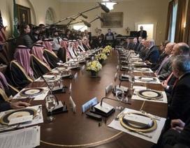 """Bức ảnh chụp cuộc gặp tại Nhà Trắng gây """"bão"""" mạng"""