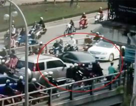 Thêm trường hợp quay đầu xe trên cầu