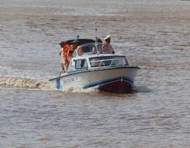 Nỗ lực tìm kiếm 2 thuyền viên mất tích trên biển