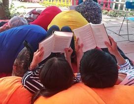 Người trẻ Sài Gòn nhịn cả... mì tôm mua sách