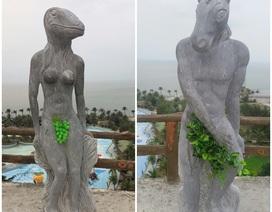 Bị phản đối, tượng 12 con giáp tháo bikini che chắn bằng lá cây