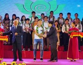 Công Phượng, Xuân Mạnh, Văn Đức nhận thưởng lớn tại Nghệ An