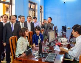 Thủ tướng thăm Trung tâm tiếp công dân Công an tỉnh Thừa Thiên Huế