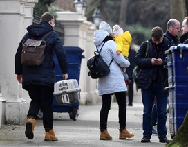 """Nga """"tố"""" tình báo Mỹ vội vã tuyển mộ các nhà ngoại giao bị trục xuất"""