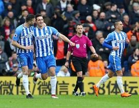 Brighton 2-1 Arsenal: Wenger vẫn chìm trong ác mộng