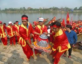Quảng Bình: Hàng ngàn người chen chân xem rước nước tại Lễ hội chùa Hoằng Phúc