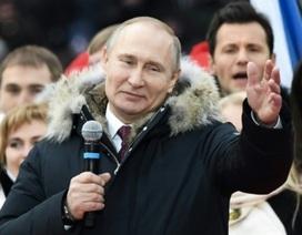 """Ông Putin hứa """"chiến thắng vang dội"""" cho nước Nga nếu tái đắc cử"""