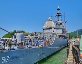 Hình ảnh nơi neo đậu của tàu Hải quân Mỹ tại cảng Tiên Sa