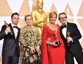 Dàn sao giành giải Oscar rạng rỡ khoe tượng vàng