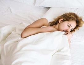 Máy theo dõi thể lực đeo tay gây mất ngủ?