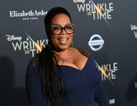 """Oprah Winfrey """"boa"""" cho nhân viên khách sạn như thế nào?"""