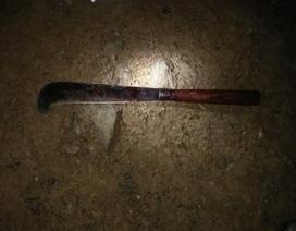 Sát hại con gái 2 tuổi, chém trọng thương vợ rồi dùng dao tự sát