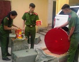 Bắt giữ hơn 400kg pháo nổ vận chuyển qua biên giới trong đêm