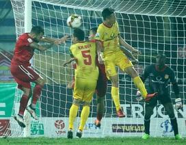 Đội bóng của HLV Miura đánh bại Nam Định trên sân khách
