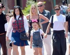Gia đình Beckham vui vẻ đi chơi ở Disneyland